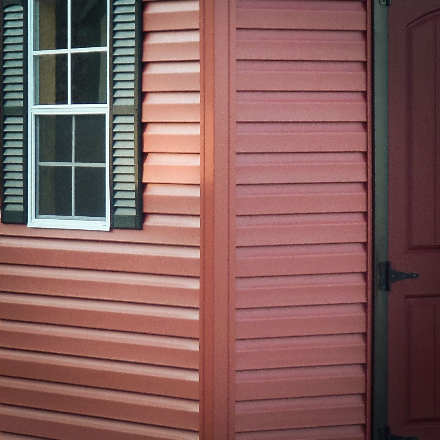 Vinyl siding for custom sheds in KY and TN