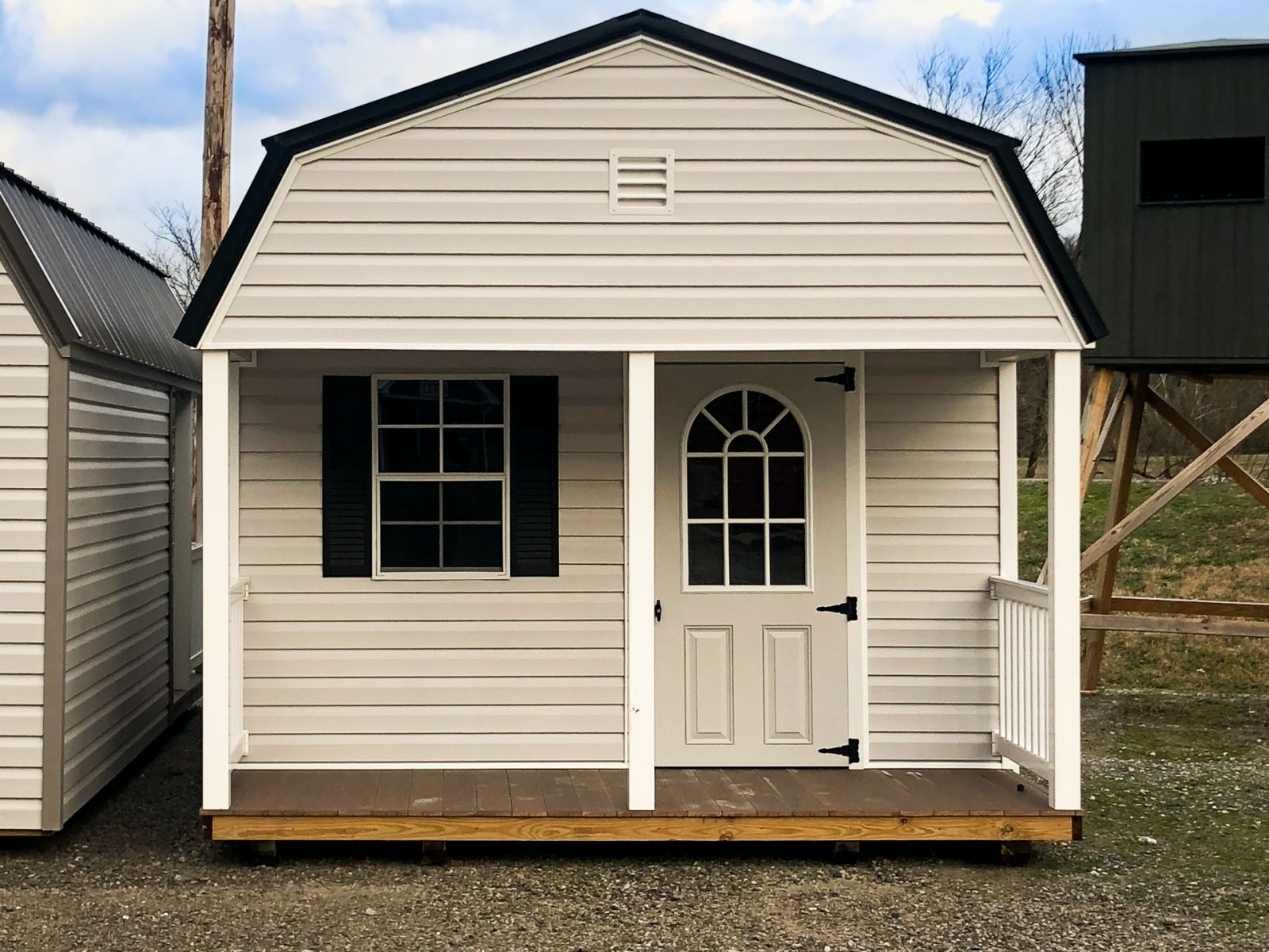 A prefab cabin for sale in Greensburg, KY