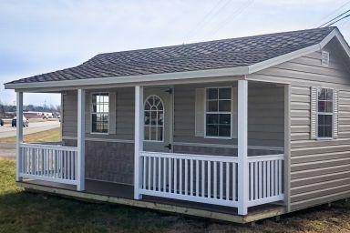 A prefab cabin in Kentucky with vinyl siding
