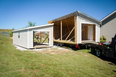 A modular garage in Kentucky being delivered and assembled